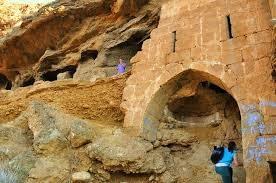 05 St Maron cave